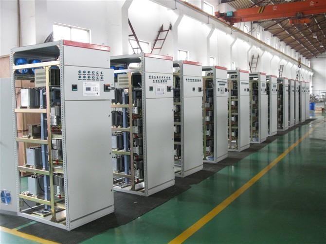 无功补偿装置落后的控制技术和落后的机械式接触器或机电一体化开关
